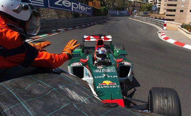 Christian Klien rysäytti Jaguarinsa valliin vuonna 2004 – ja hukkasi rytäkässä yli 200 000 euron timantin.