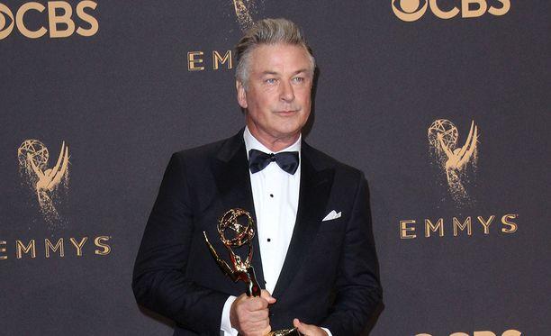 Näyttelijä Alec Baldwin voitti Emmy-palkinnon pääasiallisesti Trump-imitaationsa ansiosta Yhdysvaltain tv-alan Emmy-gaalassa sunnuntaina.