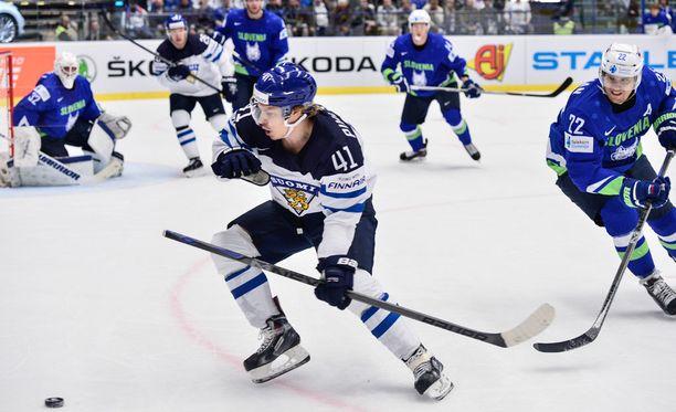 Antti Pihlström vauhdissa Sloveniaa vastaan.