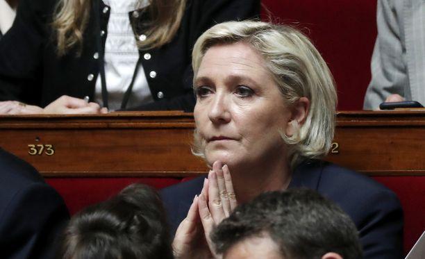 Marine Le Pen johtaa Kansallinen rintama -puoluetta.