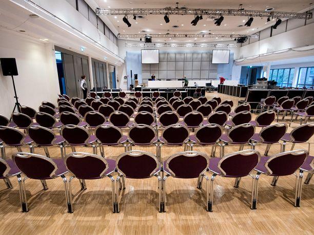 Penkkirivit odottivat yli 120 asianomistajaa oikeussalissa Ala-Saksin osavaltion Oldenburgissa.