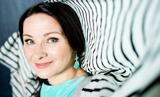 Johanna Nurmimaa näytteli Salkkareissa Paula Sievistä.
