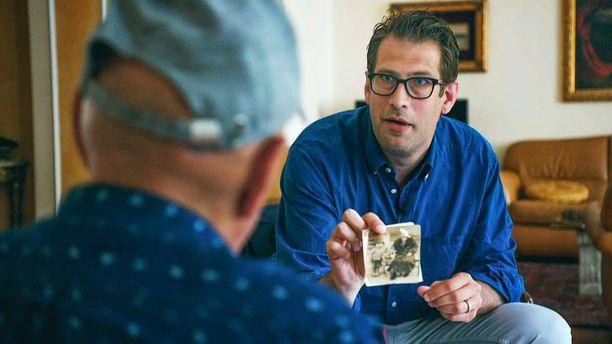 Niklas Källner lähtee ensin etsimään Jan Mottlin perillisiä Tšekin tasavallasta, josta matka jatkuu Italiaan.