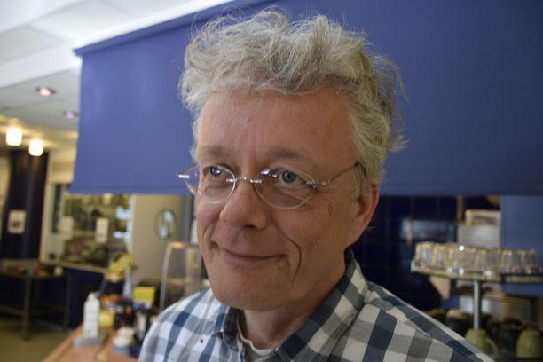 Etelä-Suomen Klubitalot Eskot ry:n yhteiskunnallinen yritys -hankkeen selvitysmies Hans Mäntylä selvittää uusia keinoja työllistää mielenterveyskuntoutujia.