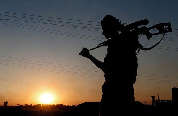 Kurdien YPG-joukot ovat olleet vahva maajoukko taistelussa Isisiä vastaan. Kuvassa YPG:n tarkka-ampuja kesäkuussa 2015.