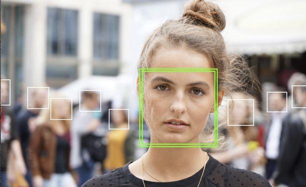 Esimerkiksi Kiina käyttää kasvojentunnistusteknologiaa. Kuvituskuva.
