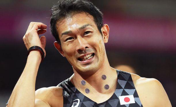 Keisuke Ushiron kroppa oli täynnä erikoisia pilkkuja.