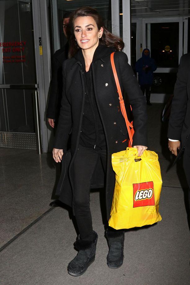 Lego-ostoksia lentokentältä jälkikasvulle.