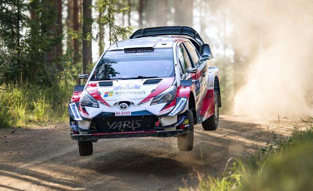 Toyotan Ott Tänak tykitti ylivoimaiseen voittoon Jyväskylän teillä.