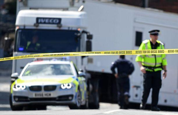 Tämänhetkisten tietojen mukaan Manchesterin iskussa on kuollut 22 ihmistä. Liki 60 ihmistä on loukkaantunut.