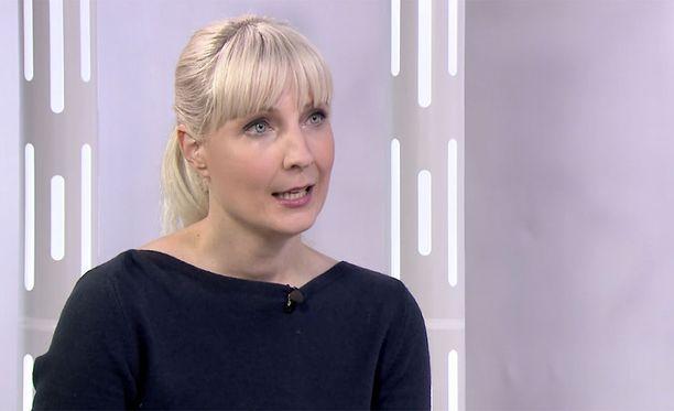 Laura Huhtasaari mielii Suomen presidentiksi perussuomalaisten riveistä.