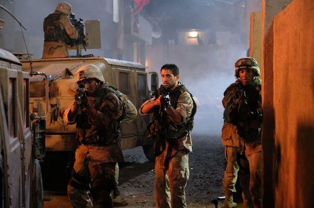 Sarjassa 1. ratsudivisioona joutuu väijytykseen Sadr Cityssa.