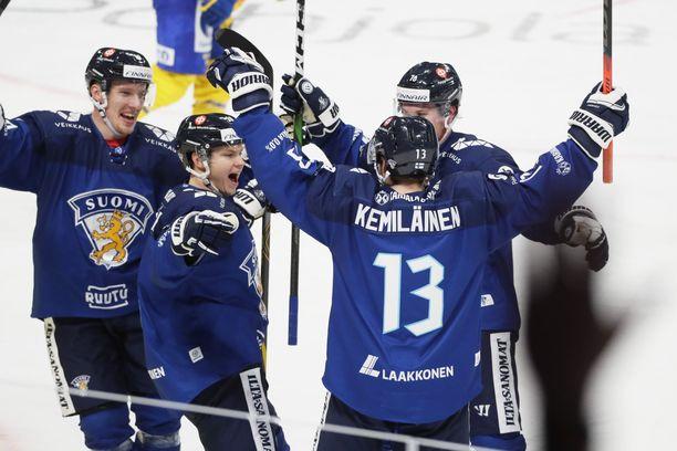 Valtteri Kemiläinen pommitti Ruotsin kumoon Karjala-turnauksessa.