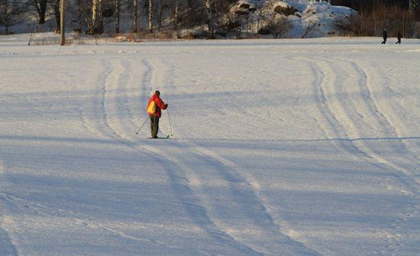Talvet ovat Suomessa lyhentyneet. Kuvituskuva.