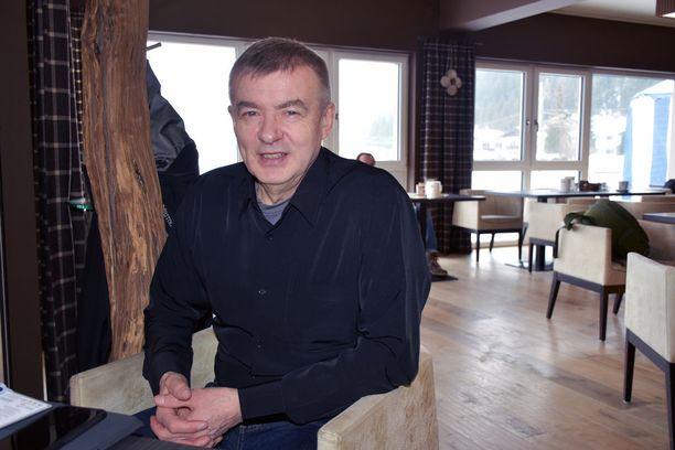 Kalle Lähdesmäki on Ampumahiihtoliiton puheenjohtaja.