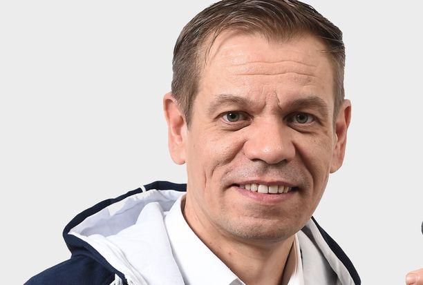 Tomi Karjalainen eteni johtajatehtäviin epätavallista tietä.