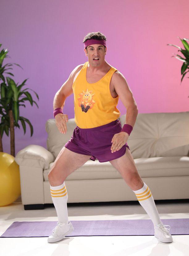 Jason Biggs kuvasi muroistaan tunnetulle Kelloggs-firmalle jumppa-aiheisen videon.