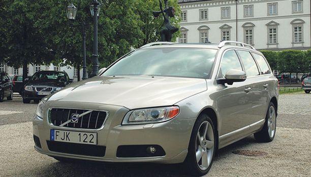MYYDYIN Uusi V70 on Volvon eniten myyty automalli Euroopassa. Samoilla kuorilla voi hankkia sekä arkikäyttöön suunnatun volyymimallin että täysiverisen luksusauton. Hinta toki vaihtelee...