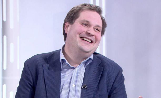 Jethro Rostedt, 42, on tunnettu kiinteistövälittäjä ja televisiokasvo.