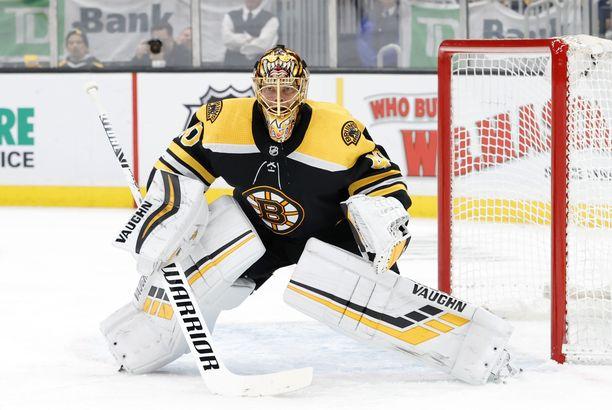 Boston Bruinsin ykkösveskari Tuukka Rask palasi Suomeen kesken pudotuspelien perhesyihin vedoten.
