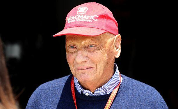 Niki Lauda pitää Valtteri Bottasta oikeana miehenä Nico Rosbergin korvaajaksi.