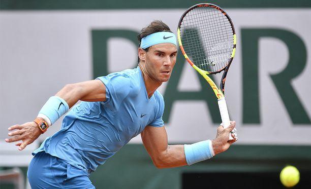 Rafael Nadal dominoi edelleen massalla.
