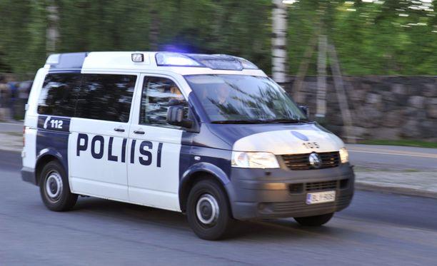 Juoppokuljetukset työllistävät poliiseja merkittävästi.