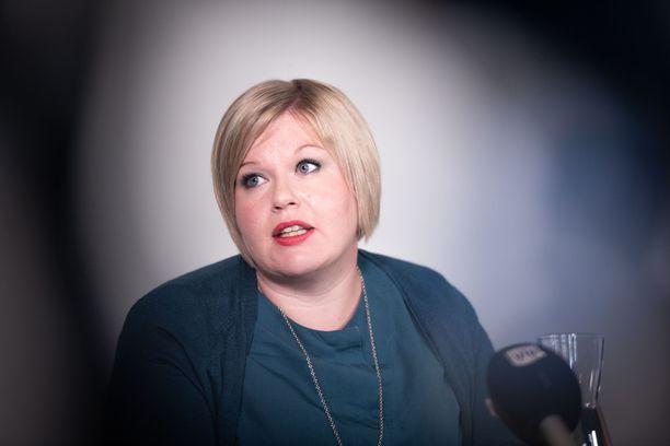 Annika Saarikko toivoo Ylellä Jokerien harkitsevan Valko-Venäjänsä matkaa.
