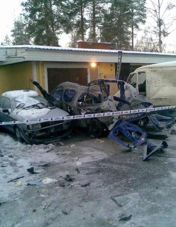 Autossa ollut kaasupullo räjähti Siikajoella. Autoa kuljettanut 26-vuotias mies loukkaantui onnettomuudessa.