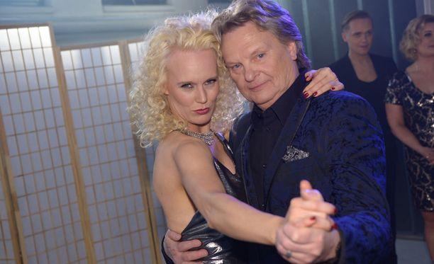 Jutta Helenius ja Pepe Willberg lähtevät maltilla tanssikisaan.