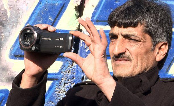 Imad Abu Shamsiyeh kuvasi videon naapurista.