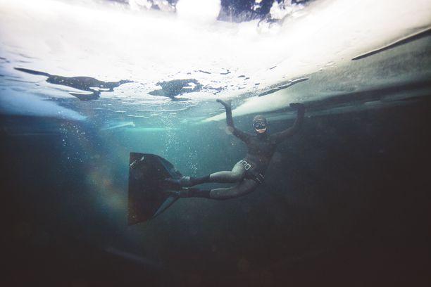 Vapaasukellus ei ole extreme-urheilua, koska siinä ei metsästetä adrenaliinihuumaa, vaan rentoutunutta oloa.