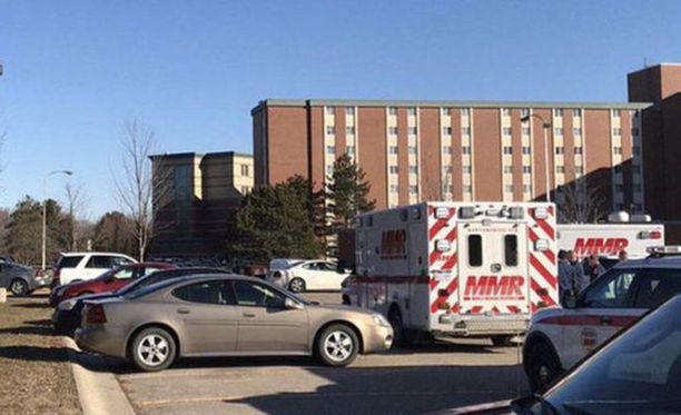 Ampuminen tapahtui Central Michigan -yliopiston asuntolan neljännessä kerroksessa.