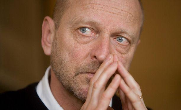 Tommy Hellsten kertoo, että hänen olonsa on täysin käsittämätön rakkaan vaimon kuoleman jälkeen.