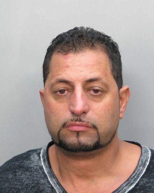 Mansor Mohammed Asad alkoi riehui lentokoneessa torstaina.