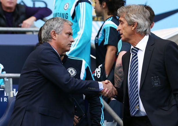 José Mourinho (vas.) tapaa jälleen Manuel Pellegrinin.