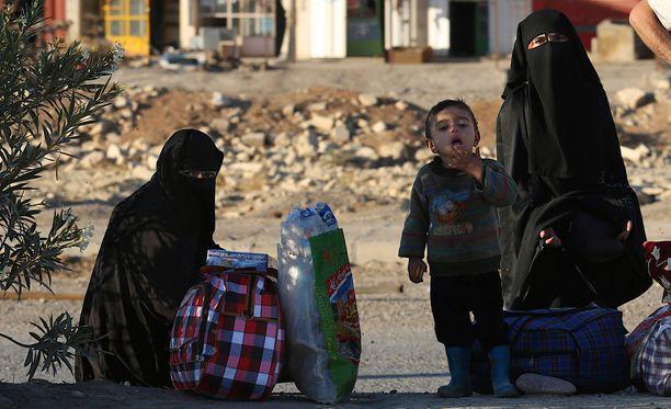 Irakissa ja Syyriassa useat lapset ovat traumatisoituneet taisteluiden keskellä. Sekä taistelijoiden, että taistelujen alta pakenevien lapset ovat todennäköisesti nähneet kauheita asioita. Kuvituskuva.