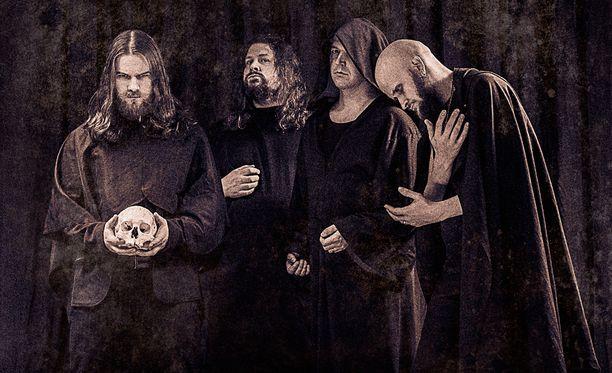 Kuvassa vasemmalla oleva laulaja Unto Helo muistetaan muun muassa Pitkä kuuma kesä -elokuvasta.
