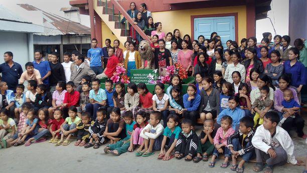 Ziona Chanan perhettä yhteistkuvassa vuonna 2011.