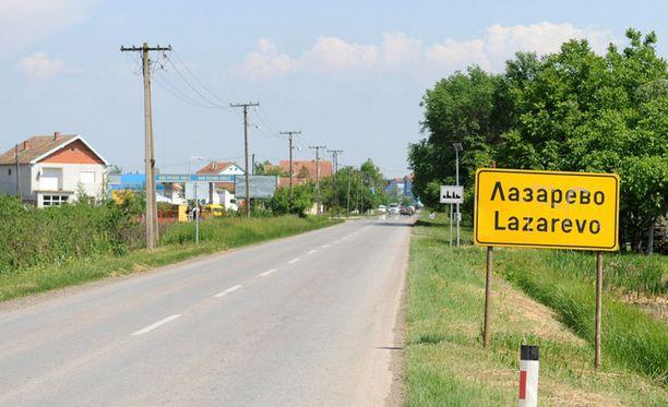 Maalaiskylä oli etsityn sotarikollisen piilopaikka.