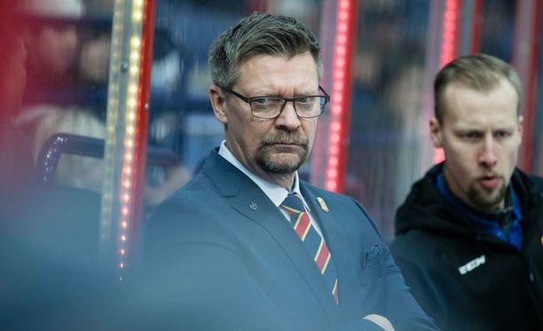 Jokerien päävalmentaja Jukka Jalonen ei vielä tiedä, ketkä pelaajat ovat torstaina pelikunnossa.