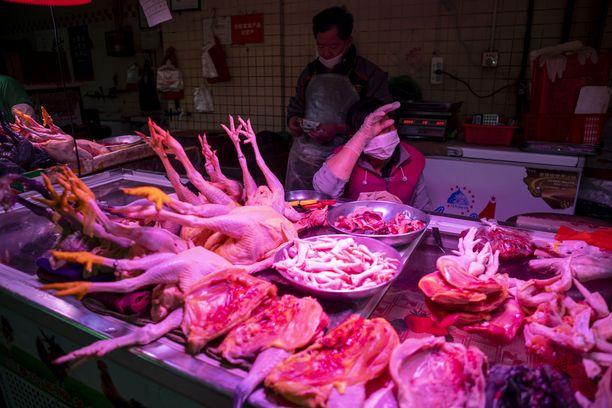 Virus lähti todennäköisesti liikkeelle eläintorilta Kiinan Wuhanista.