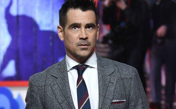 Punaisella matolla Colin Farrell on totuttu näkemään huolitellussa tyylissä. Kuva on viime vuodelta.