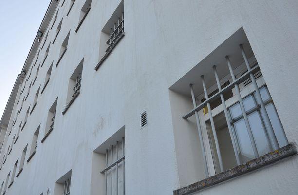 Rikosseuraamuslaitoksen mukaan tartunnat ovat lähtöisin vankilamuurien ulkopuolelta.
