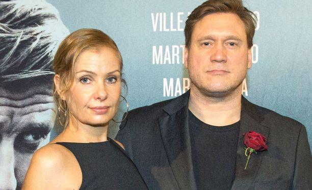 Samuli Edelmann on ollut Laura-vaimonsa tukena.