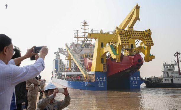 Tiankun on Aasian suurin ruoppaaja ja sen avulla uusia saaria voi rakentaa entistä nopeammin.