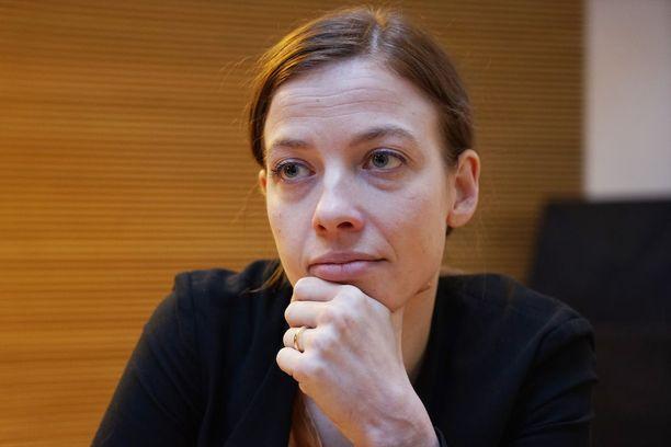 Vasemmistoliiton puheenjohtaja Li Andersson syyttää kokoomusta epäuskottavista vaalilupauksista.