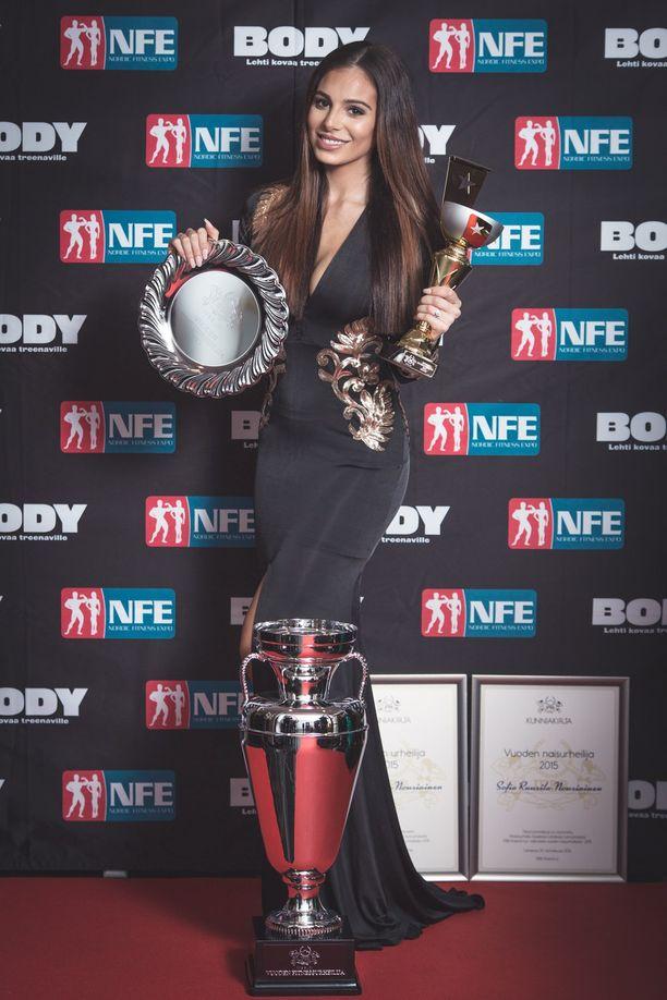 Vuonna 2015 Sofia Belórf voitti myös amatöörien MM-kullan omassa pituusluokassaan. Hänet palkittiin vuonna 2016 Fitness-gaalassa sekä naisten että yleisen Vuoden fitnessurheilija -tittelillä.