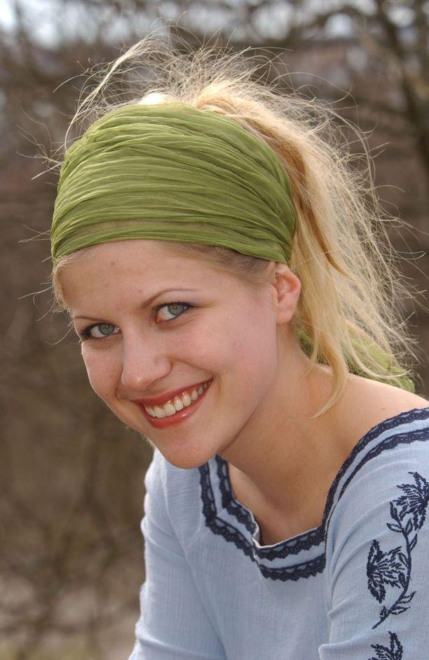 Katri Sievinen heilasteli sarjassa Riku Jääskeläisen (Janne Vakio) kanssa.