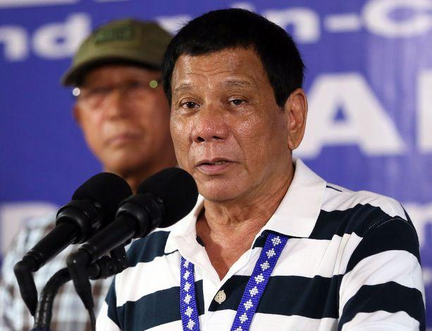- Unohtakaa ihmisoikeudet, näiden idioottien elämä ei merkitse minulle yhtään mitään, rajuista lausunnoistaan tunnettu Filippiinien presidentti Rodrigo Duterte, 72, on kommentoinut huumekauppiaita.